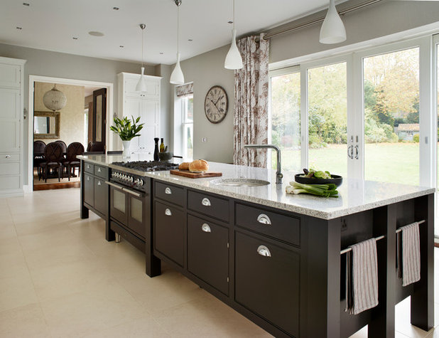Amazing Contemporary Kitchen by Sola Kitchens