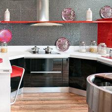 Contemporary Kitchen by Iscaser Estudio de Cocinas