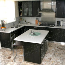 Contemporary Kitchen by Royal Kitchens