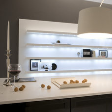 Contemporary Kitchen by HABITALY by marcopolo