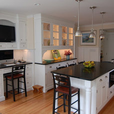 Traditional Kitchen by Tena E. Collyer