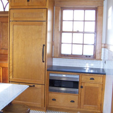 Craftsman Kitchen by Woodhill Cabinetry & Design Inc