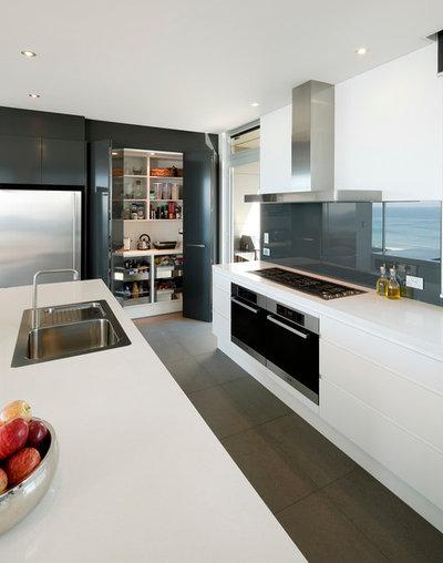 Contemporary Kitchen by Fred Tabet @wonderfulkitchens