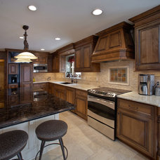 Traditional Kitchen by Barenz Builders