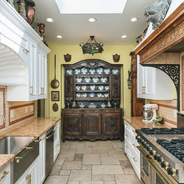 Collector's House - kitchen