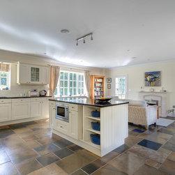 Farmhouse Floors Kitchen Design Ideas Photos