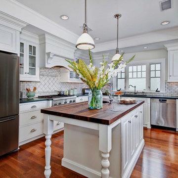 Colonial Coastal Kitchen