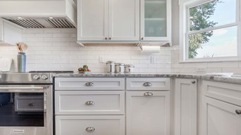 Colonial Maple Bright White Cabinets | Cabinets.com