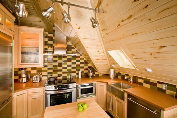Rustic Kitchen by HighCraft Builders