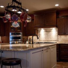 traditional kitchen by Woodways