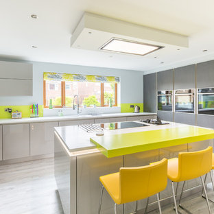 Colourful Open Plan Kitchen & Bathroom