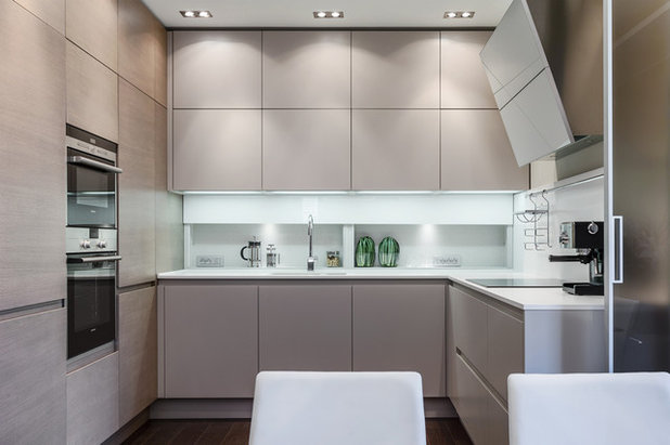 Contemporary Kitchen by NG-STUDIO Interior Design. Sanremo