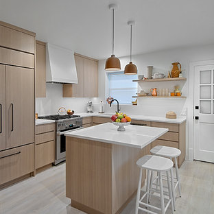 75 Beautiful Small Kitchen With Light Wood Cabinets Pictures Ideas February 2021 Houzz