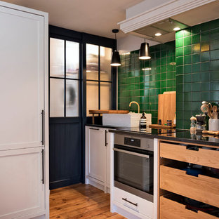 Compact Shoreditch shaker/freestanding kitchen