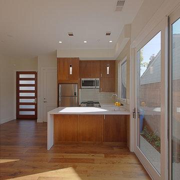 Compact Suburban House 16673