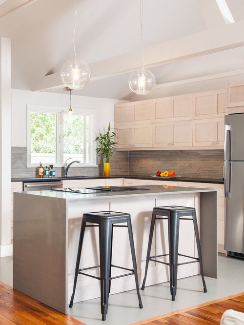 Whitewashed Kitchen Cabinets Houzz - Whitewash kitchen cabinets