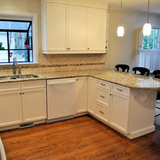 Traditional Kitchen by Emily Culley