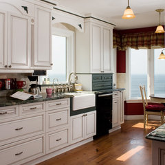 traditional kitchen by NDA Kitchens and Construction