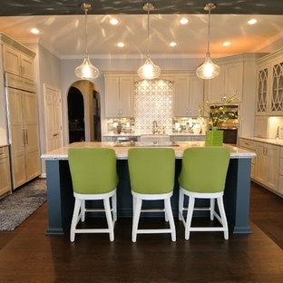 Mid-sized transitional kitchen remodeling - Mid-sized transitional kitchen photo in Indianapolis