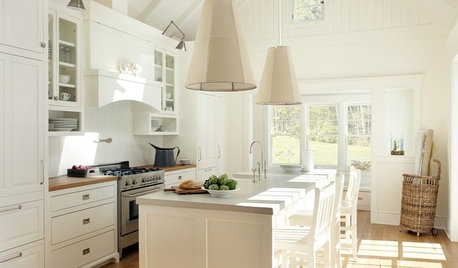 Kitchen Trend: Oversize Pendants for Every Style Home