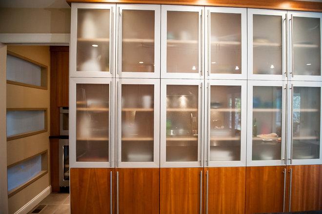 Modern Kitchen by New England Design Elements