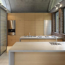 Modern Kitchen by Ogrydziak/Prillinger Architects