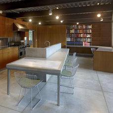 Modern Kitchen by Ogrydziak/Prillinger Architects