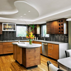 Modern Kitchen by mark lind, sun+stone design