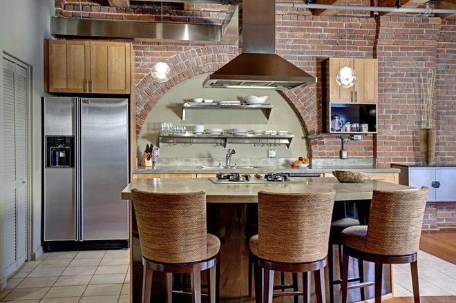 Eclectic Kitchen by Seattle Staged to Sell and Design LLC