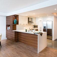 Contemporary Kitchen by Élysée