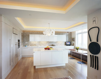 Modern Kitchen by Jonathan Cutler, AIA