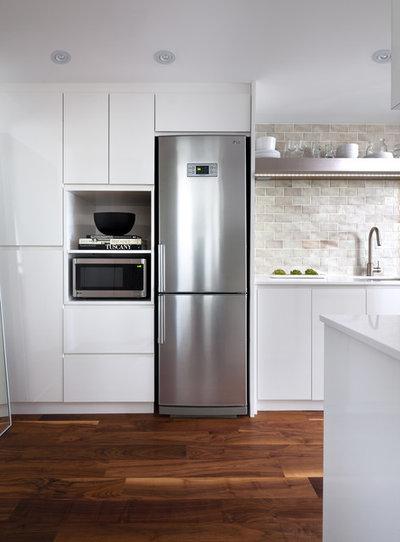 コンテンポラリー キッチン by Toronto Interior Design Group