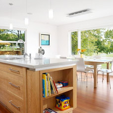 Modern Kitchen by Alloy Homes Incorporated