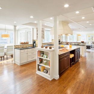 Inspiration for a timeless kitchen remodel in Boston