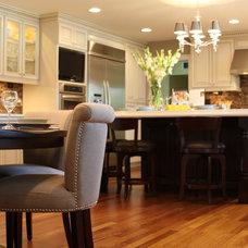 Contemporary Kitchen by Giesen Design Studio LLC