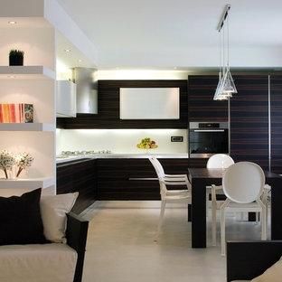 Idee per una grande cucina contemporanea con ante lisce, ante in legno bruno, paraspruzzi bianco, elettrodomestici in acciaio inossidabile e pavimento in gres porcellanato