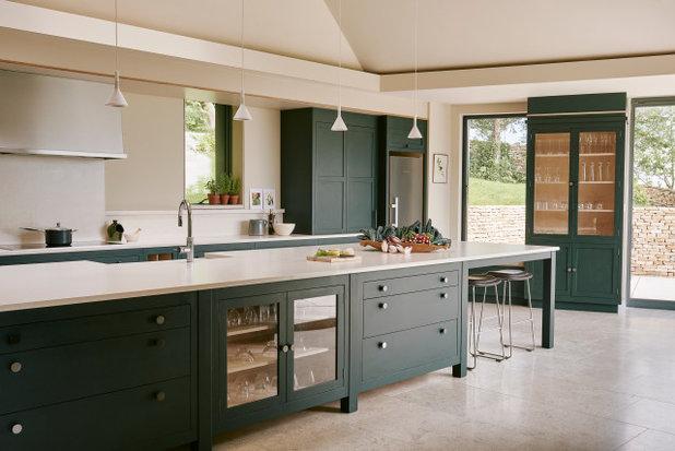 Transitional Kitchen by Garry Meakins Studio