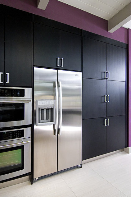 Contemporary Kitchen by In Detail Interiors