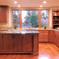 Traditional Kitchen by Morse Remodeling, Inc. and Custom Homes