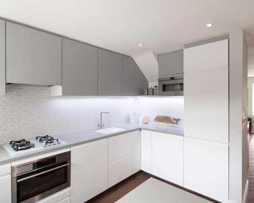 Inspiration For A Small Scandinavian L Shaped Open Plan Kitchen In London  With A Built