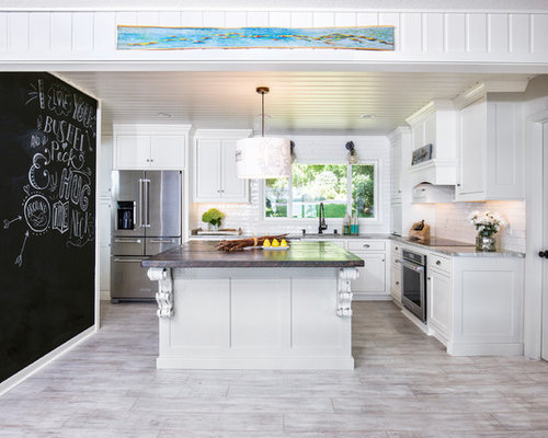 Farmhouse Kitchen Designs   Inspiration For A Farmhouse L Shaped Kitchen  Remodel In Minneapolis With