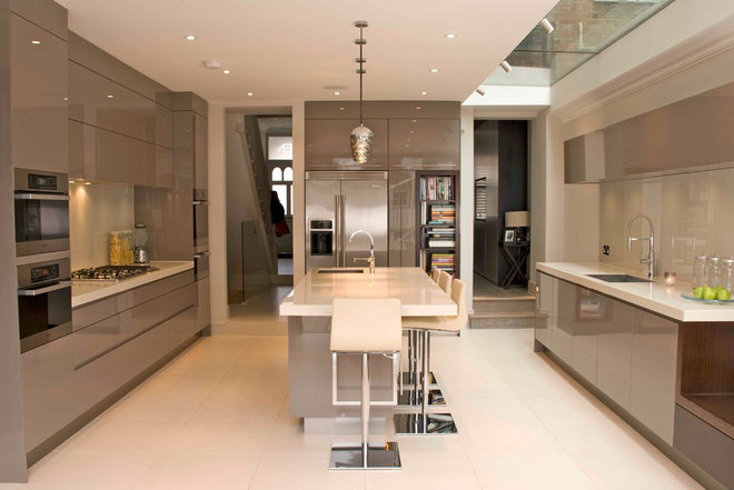 Contemporary Kitchen by David Hall Kitchen and Furniture Makers