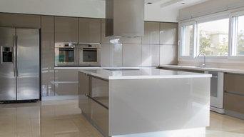Contemporary High-Gloss Metallic Kitchen