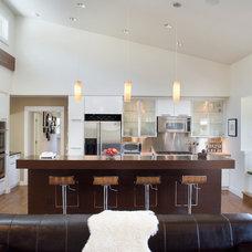 Contemporary Kitchen by Fine Line Studio