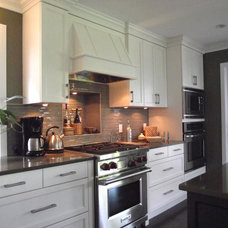 Contemporary Kitchen by Shelley Scales Design Associates