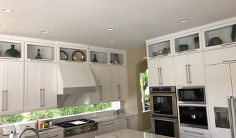 Contemporary Kitchen & Bar Remodel