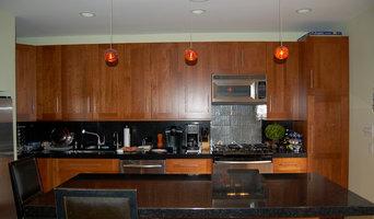Contemporary Kitchen & Bar