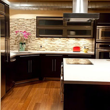 Contemporary Kitchen by Andern Design