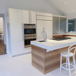 Kitchen Contemporary L Shaped Marble Floor And White Idea In New York