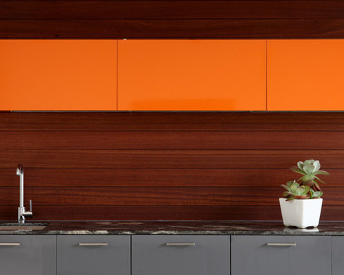 Inspiration For A Contemporary Kitchen Remodel In Los Angeles With An Undermount Sink Flat